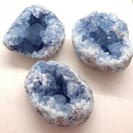 Celestin 7 x 6 cm s kristalnimi ploskvami