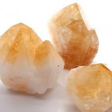 Citrin piramida s kristalnimi ploskvami 5-6 cm
