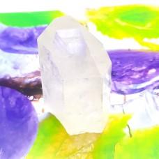 Kamena strela piramida ravno dno 7-8 cm