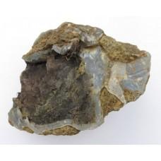 Ahat - surovi mineral