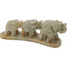 Slon - tri v vrsti